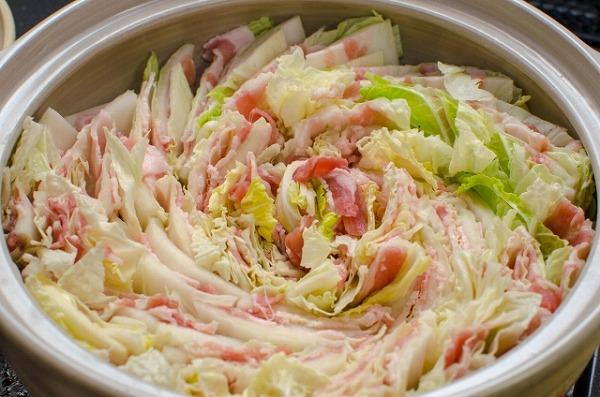 豚肉と白菜のチーズミルフィーユ鍋